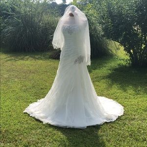 Wedding dress size 12 (can be altered!)